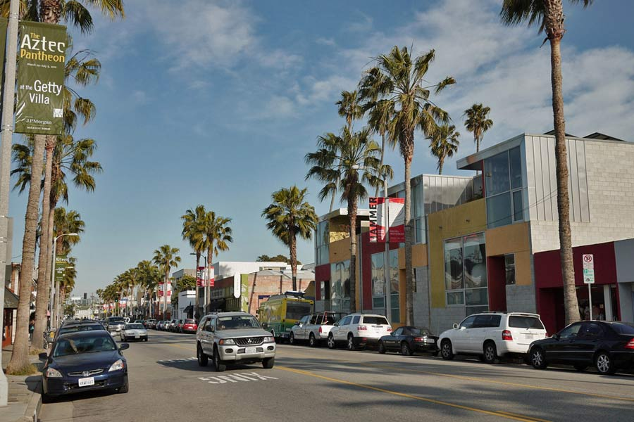 Abbot Kinney Boulevard, Venice © Tom Karlo - Flickr Creative Commons
