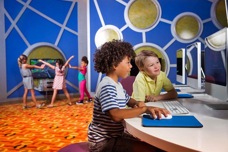 Kids clubs and activities for teenagers © Atlantis The Palm
