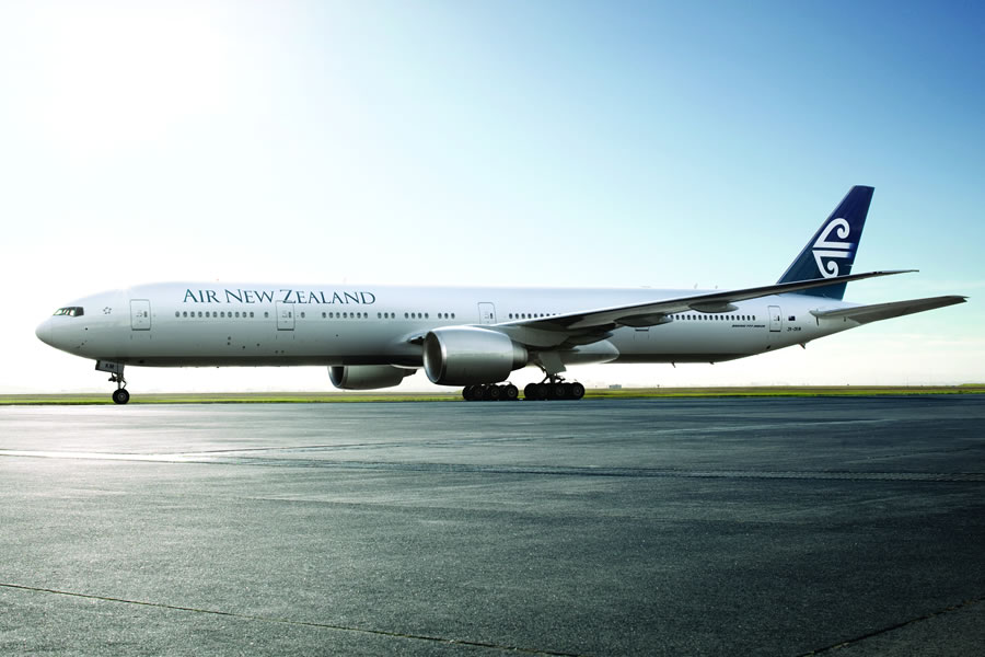 Flights to Los Angeles & Auckland on 777-300 © 2014 Air New Zealand Ltd