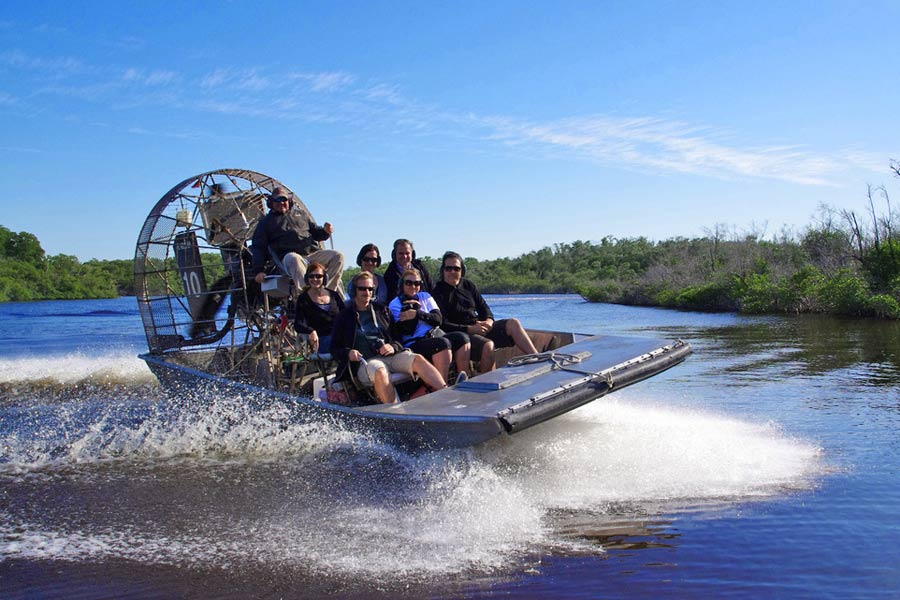Airboat on the Everglades, Florida © Eric Baker - Flickr Creative Commons