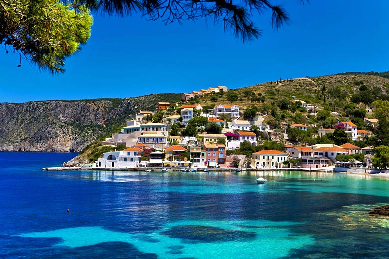 The town of Assos on the island of Kefalonia, Greece © WitR - Fotolia.com