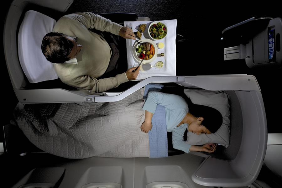 BA Club World sleeping and dining options © British Airways