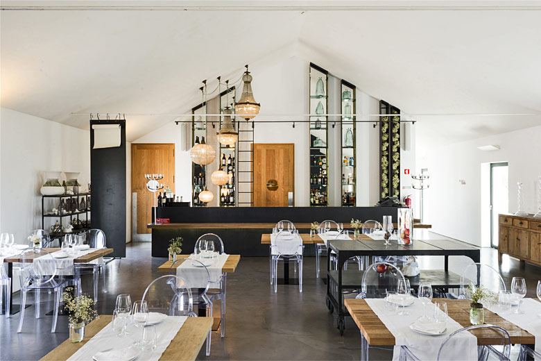 Basilii restaurant - photo courtesy of Torre de Palma Wine Hotel