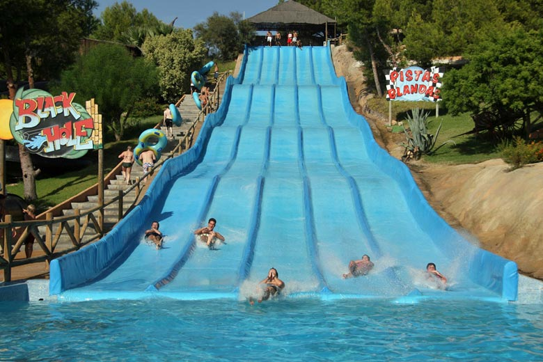 Water slide at Aqualandia, Benidorm © Aqualandia
