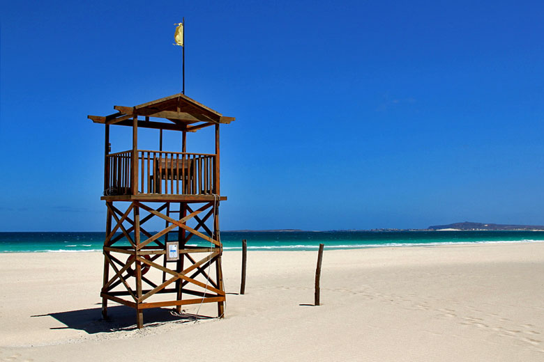 Pristine beach on Boa Vista Island, Cape Verde © niall62 - Flickr Creative Commons