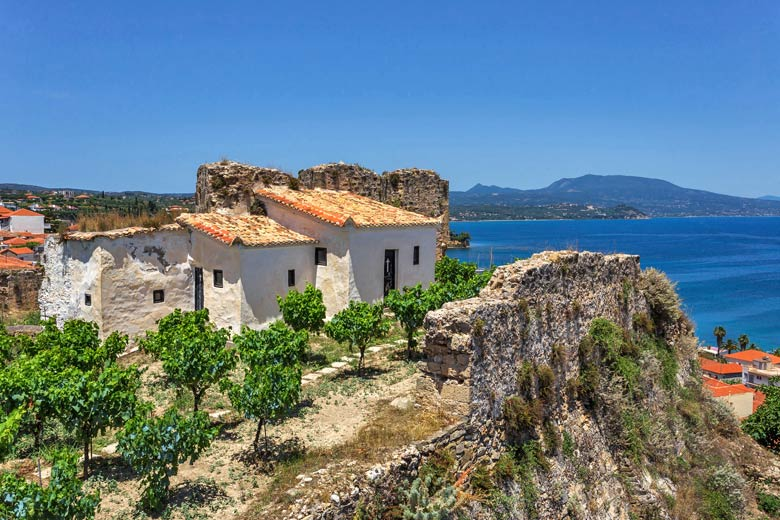 Buildings inside Koroni Castle, Messinia, Greece © Elgreko - Fotolia.com