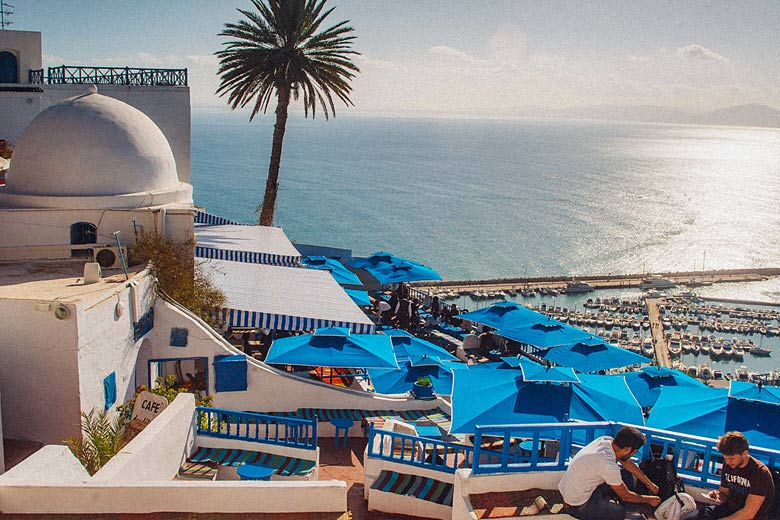 Café des Délices overlooking the marina in Sidi Bou Said © R Otaviano - Flickr Creative Commons
