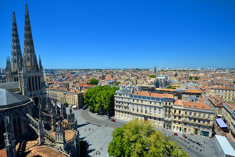 The Cathedral Square in Bordeaux © Yvann K - Fotolia.com