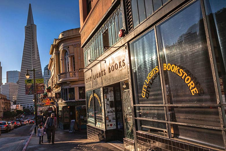City Lights Bookstore, North Beach © Travellinglight - Alamy Stock Photo