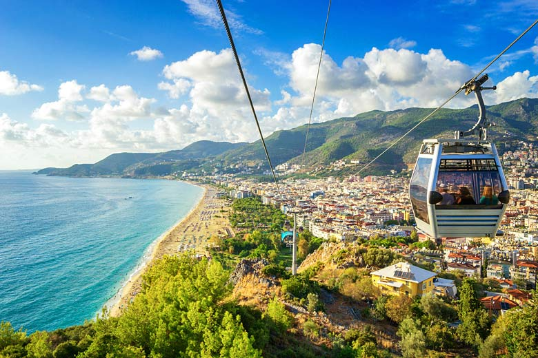 Alanya lined with the golden sands of Cleopatra Beach, Turkey © Tichr - Fotolia.com