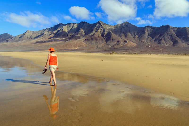 which canary island is right for you top attractions activities. Black Bedroom Furniture Sets. Home Design Ideas