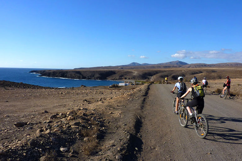 Cycling in Fuerteventura © stefan wakeham - photo courtesy of www.easyriders-bikecenter.com