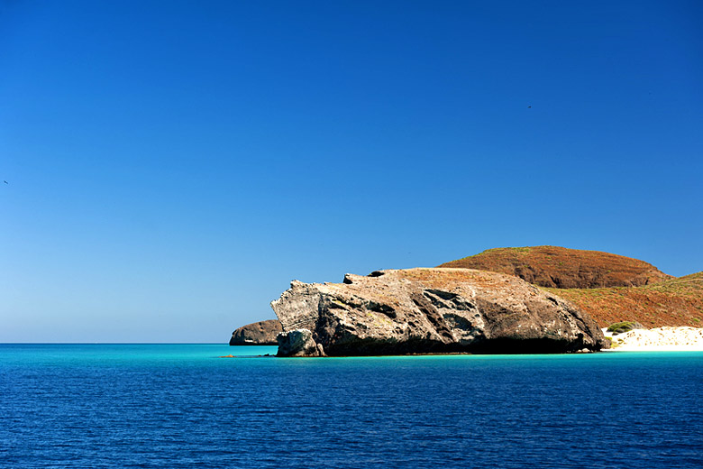 The stunning blue waters of the Sea of Cortez, Los Cabos, Mexico © Izanbar - Dreamstime .com