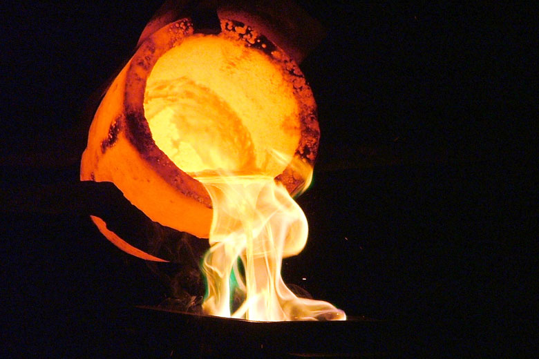 Demonstration of gold casting at Gold Reef City © Dan Brown - Flickr Creative Commons