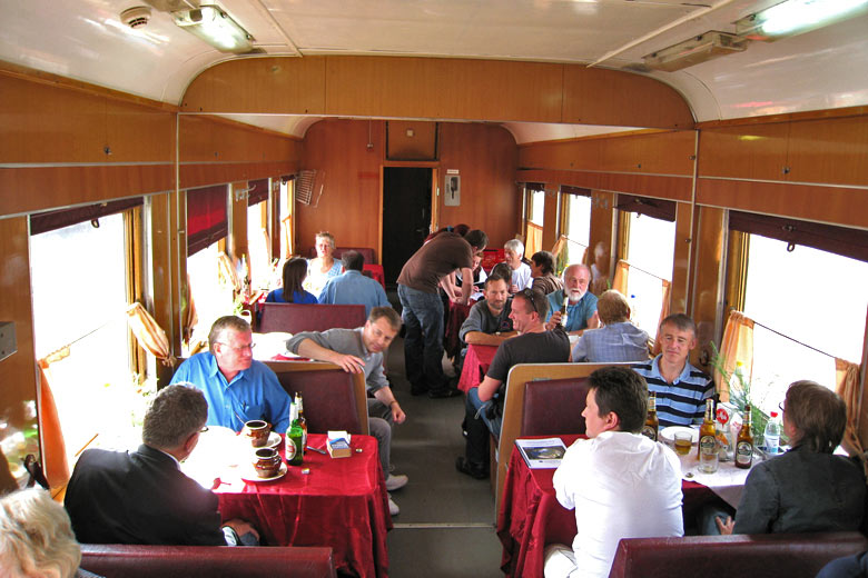In the restaurant car © Bernt Rostad - Flickr Creative Commons