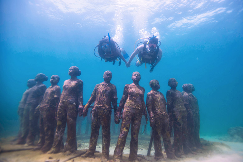 Diving through the Sculpture Park, Grenada - photo courtesy of Grenada Tourism Authority
