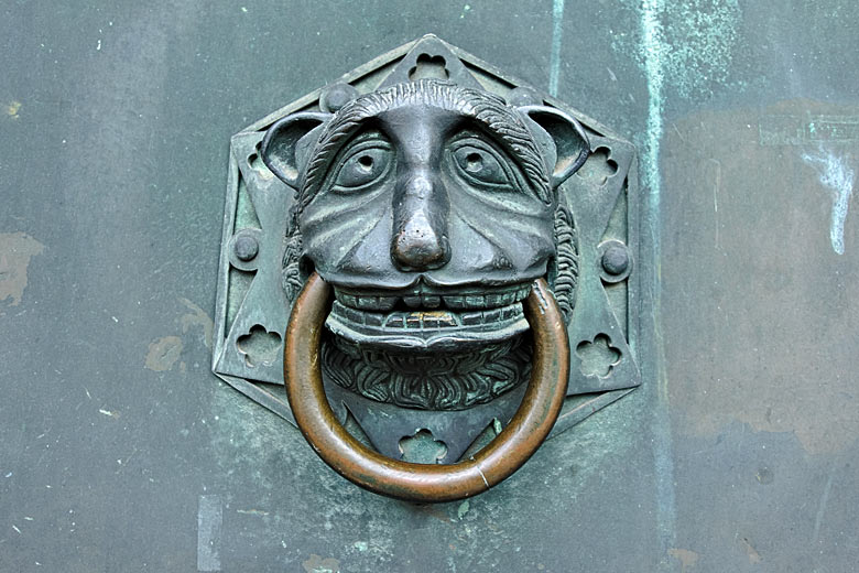Door handle on Trier Cathedral, the oldest church in Germany © Sergej Lebedev - Adobe Stock Image