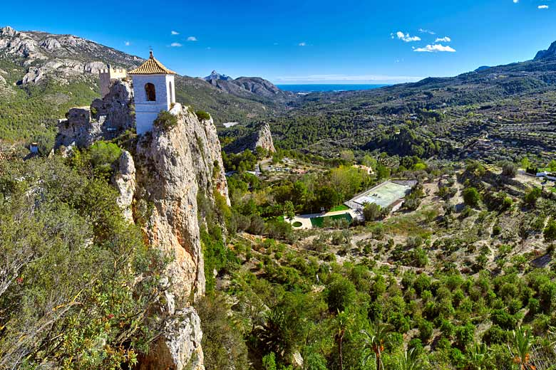 The sheer limestone cliffs and dramatic beauty of Guadalest © Vitaly Titov - Fotolia.com