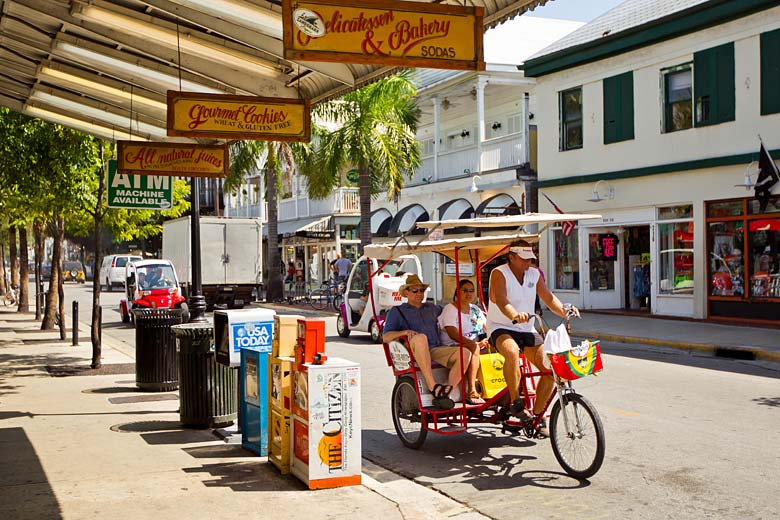Duval Street at the heart of Key West, Florida Keys © National Geographic Creative - Alamy Stock Photo