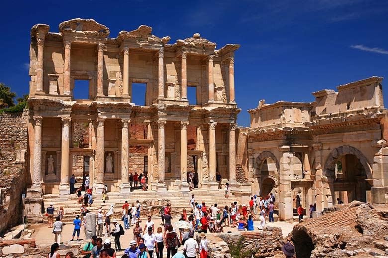 The library at Ephesus © laszlo-photo - Flickr Creative Commons
