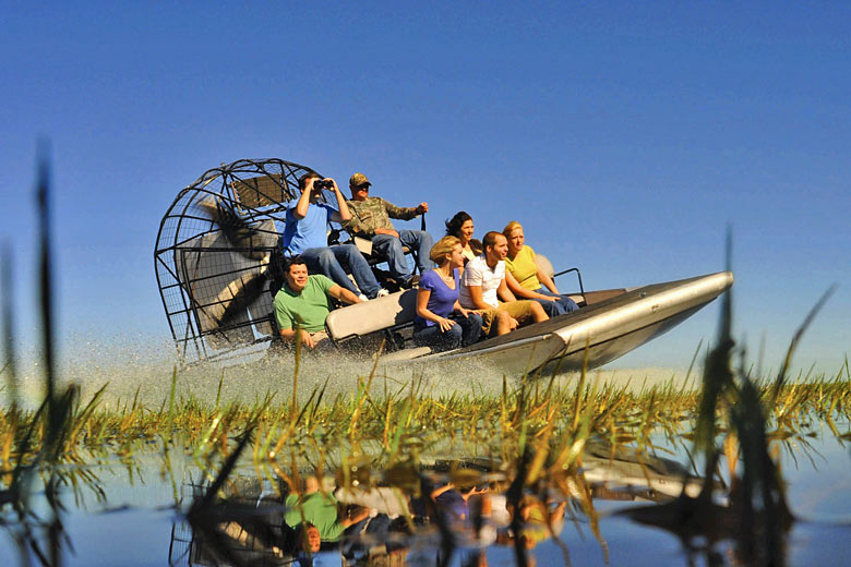 Exploring the waters around Kissimmee by airboat in Florida © Experience Kissimmee - Flickr Creative Commons