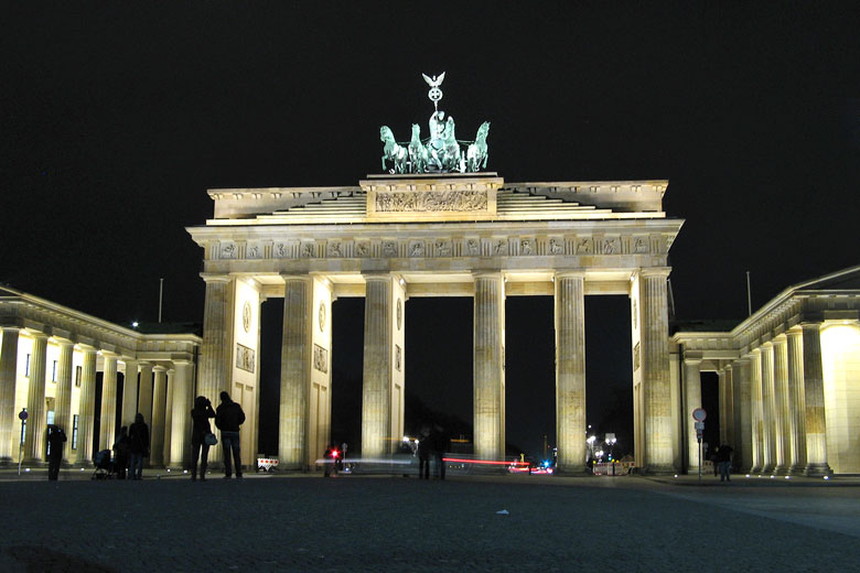 Floodlit Brandenburg Gate, Berlin © Filip Maljković - Flickr Creative Commons