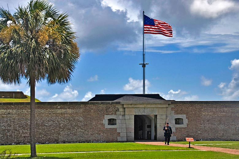 Entrance to Fort Moultrie on Sullivan's Island © Ron Cogswell - Flickr Creative Commons