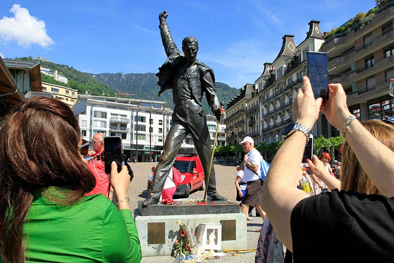 Statue of Freddie Mercury in Montreux © Thibaut - Alamy Stock Photo