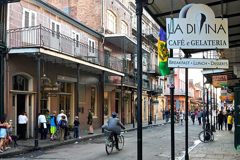 Take a stroll through the French Quarter of New Orleans © Pedro Szekely - Flickr Creative Commons