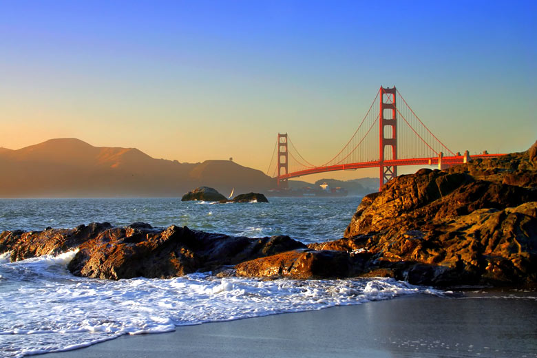 Golden gate sunset, San Francisco, California, USA © col - Shutterstock.com