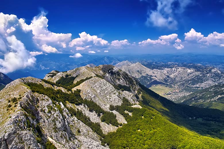 Round trip to Durmitor National Park by helicopter, Montenegro © Igorp1976 - Fotolia.com