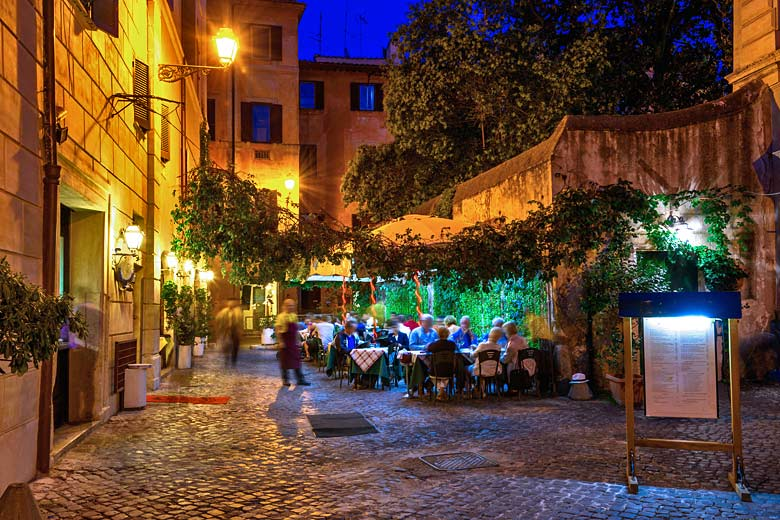 Hidden away restaurant in Rome, Italy © Ekaterina Belova - Fotolia.com