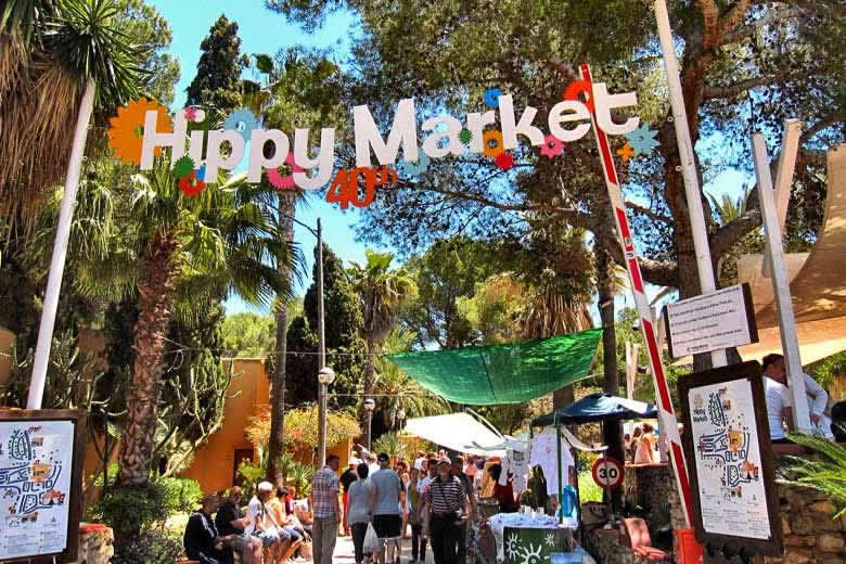 The Hippy Market at Es Canar, Ibiza © Ronald Saunders - Flickr Creative Commons