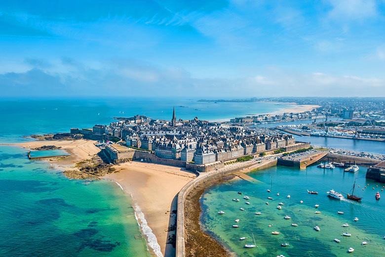 The historic port city of St Malo, Brittany © Antoine2k - Fotolia.com