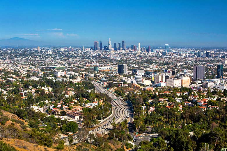 View from the Hollywood Hills, Los Angeles © FiledIMAGE - Fotolia.com