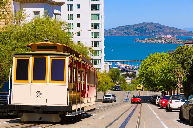 The famous Hyde Street cable car, San Francisco © Tono Balaguer - Fotolia.com