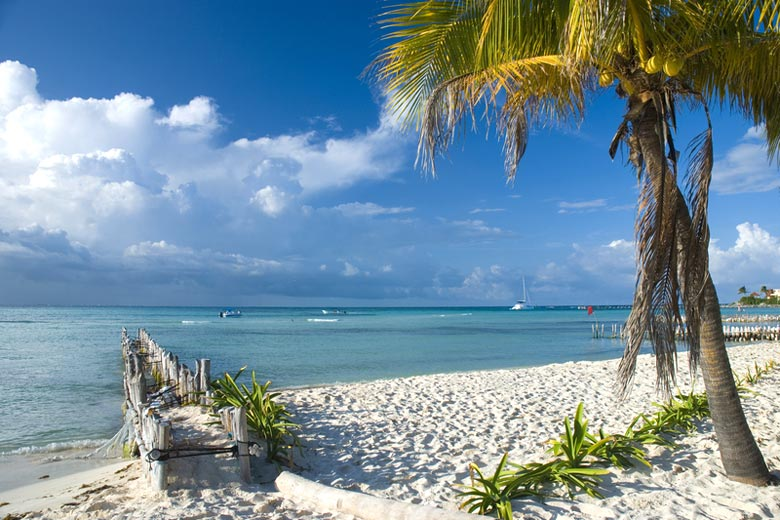 Isla Mujeres, the island just off Cancun © Tose - Dreamstime.com