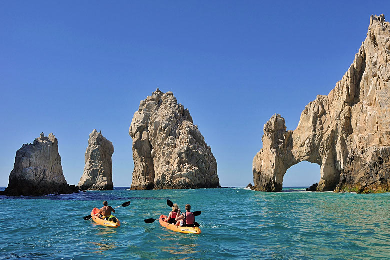 Kayaking round Land's End at Cabo San Lucas, Mexico &copy Hemis - Alamy Stock Photo