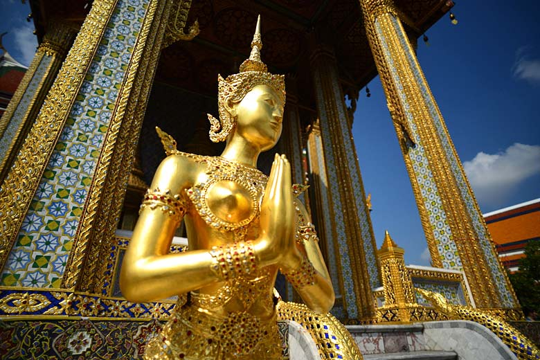 Kinnara statue at the Grand Palace in Bangkok © Nicolas Lannuzel - Flickr Creative Commons