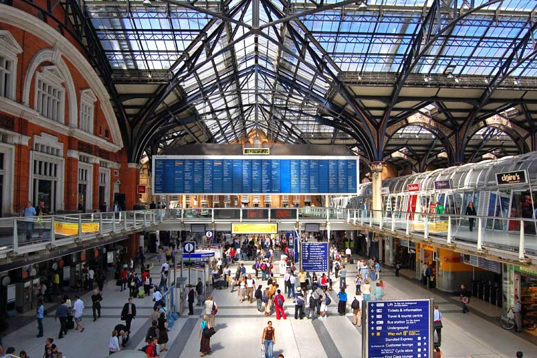 London Liverpool Street Station © Alex Lecea - Flickr Creative Commons