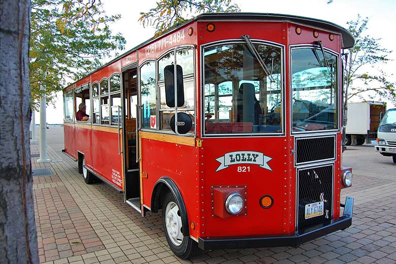 Lolly the Trolley, Cleveland Ohio © Lance Woodworth - Flickr Creative Commons