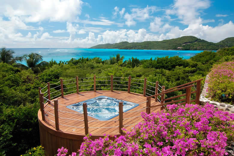Luxury Caribbean villas with a jacuzzi © Oliver's Travels