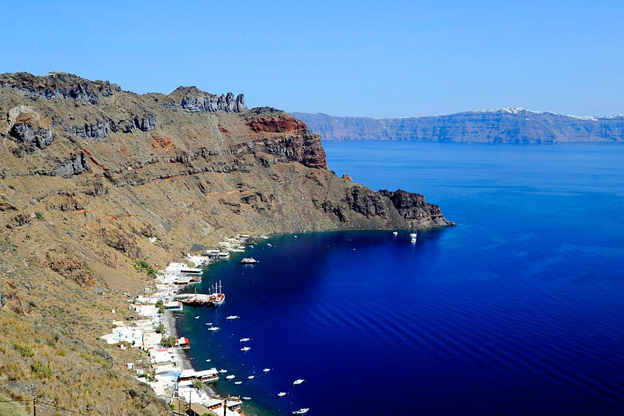 Manolas Bay, Santorini © Kathryn Burrington - TravelWithKat.com