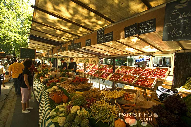 Marché biologique des Batignolle, Paris © Marc Bertrand - Paris Tourist Office