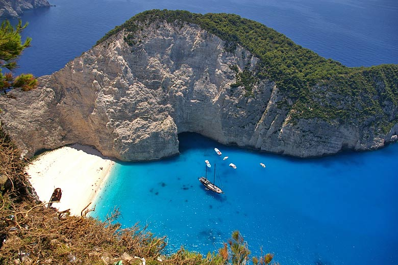 Navagio Beach, Zante © Sokoban - Wikimedia Commons