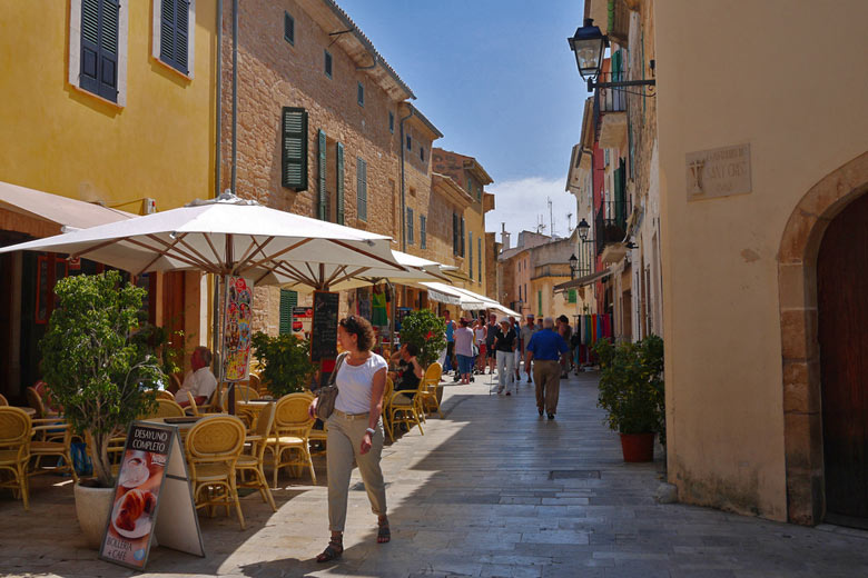The old town of Alcudia, Majorca © GanMed64 - Flickr Creative Commons