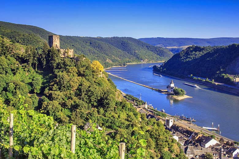 View of the mighty Rhine just north of Rudesheim © Adrian72 - Fotolia.com