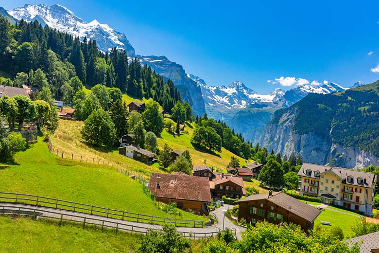 Summer in the picturesque village of Wengen © Kavalenkava - Adobe Stock Image