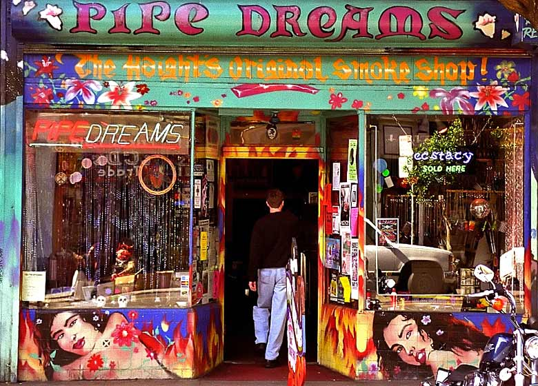 The Pipe Dreams shop, Haight Ashbury © David Ohmer - Flickr Creative Commons