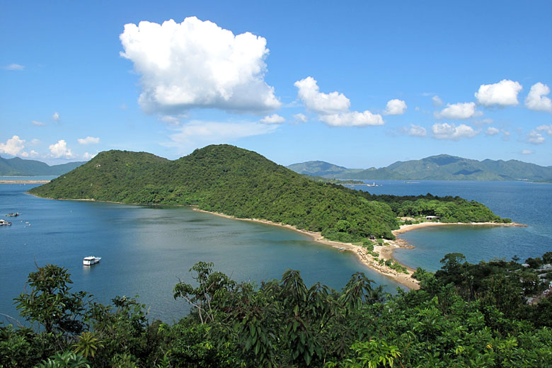 Plover Cove Country Park, New Territories, Hong Kong © Martin Ng - Flickr Creative Commons